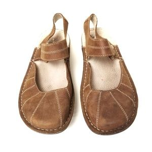 Eastland Brown Leather Flats